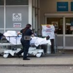 Estados Unidos muestra cifras récord en muertes por COVID-1 en las última 24 horas